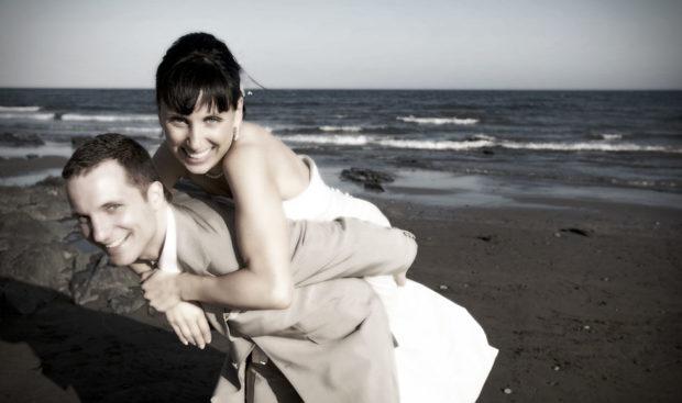 beach weddings gran canaria bride and groom